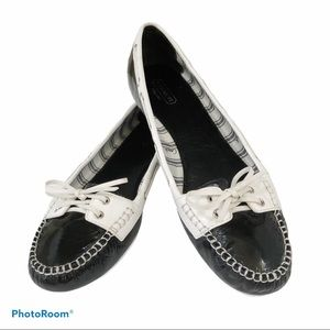 COACH PERCY PATENT LEATHER FLATS 10